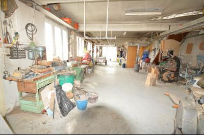 ETIVAL, entre Clairvaux les lacs et Haut Jura, maison actuellement 2 gîtes sur un ancien atelier., Atelier/garage