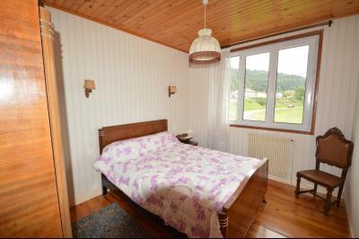 ETIVAL, entre Clairvaux les lacs et Haut Jura, maison actuellement 2 gîtes sur un ancien atelier., Chambre