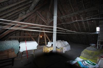 Secteur Sellières (39 JURA), à vendre maison sur grand sous-sol, 2 chambres, 600 m² de terrain., GRENIER