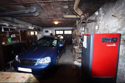 Secteur Sellières (39 JURA), à vendre maison sur grand sous-sol, 2 chambres, 600 m² de terrain., GARAGE 48 m²