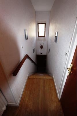 Secteur Sellières (39 JURA), à vendre maison sur grand sous-sol, 2 chambres, 600 m² de terrain., ACCES ETAGE