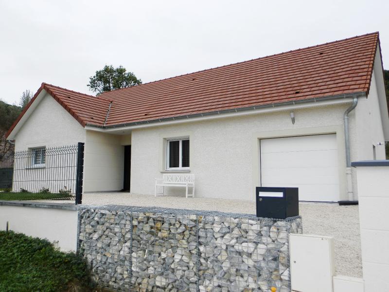 Vente LONS LE SAUNIER (39), maison plain-pied (2016), de 116 m� sur terrain de 743 m�