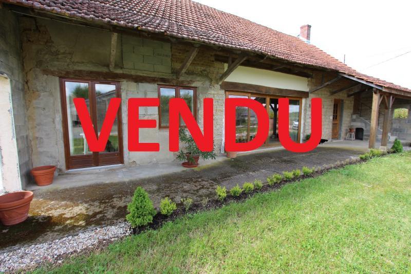 Bellevesvre (71 - Sa�ne et Loire), � vendre maison r�nov�e avec 2 chambres et d�pendances.