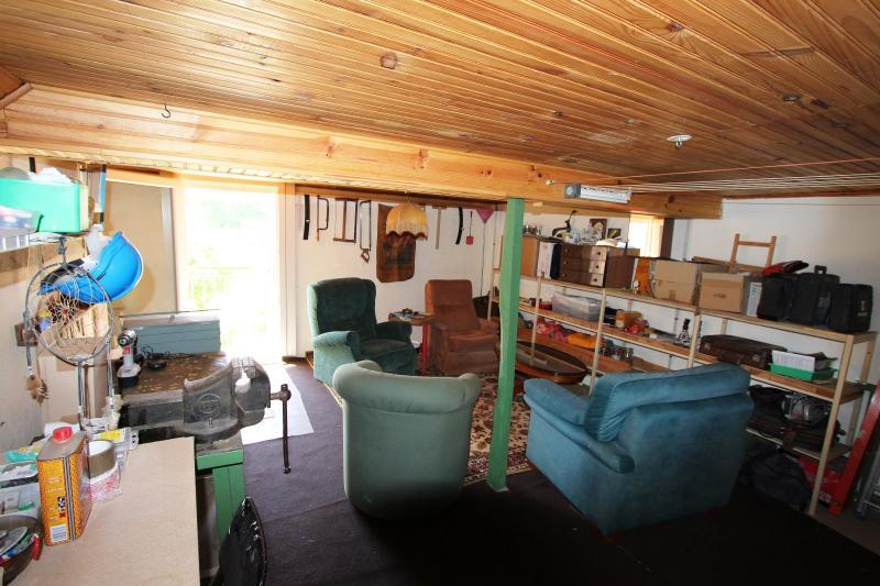 ATELIER   BUREAU ETAGE 23 m²