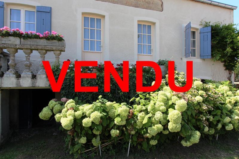 Pierre de Bresse, vends maison de caract�re avec g�te ind�pendant sur 1700 m� de terrain