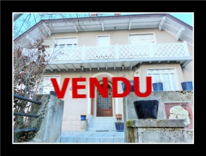 LONS-le-SAUNIER 18km JURA Vends Maison de Ma�tre 255m�env. id�ale chambres h�tes,activit� artistique