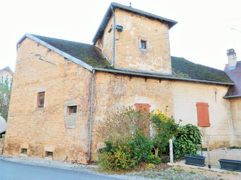 Maison à rénover en pierres avec pigeonnier