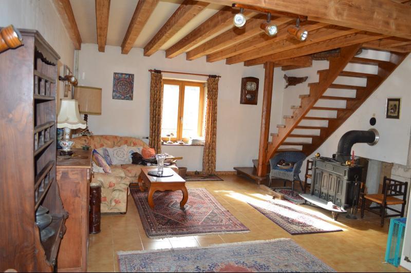 séjour 34 m²avec poêle