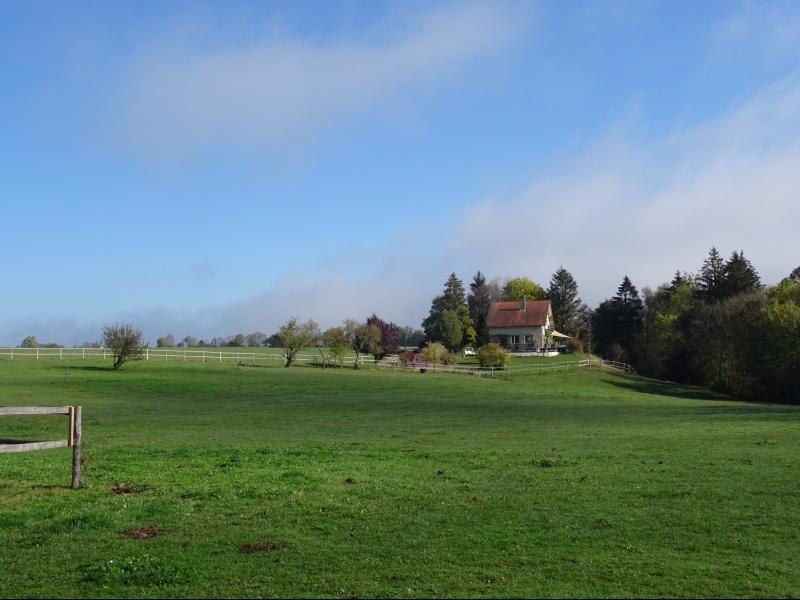 Jura, R�gion des lacs. Rare ! Propri�t� �questre 4 ha site idyllique, proche lac de Vouglans.