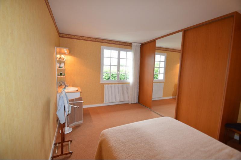 chambre 17 m² avec lavabo