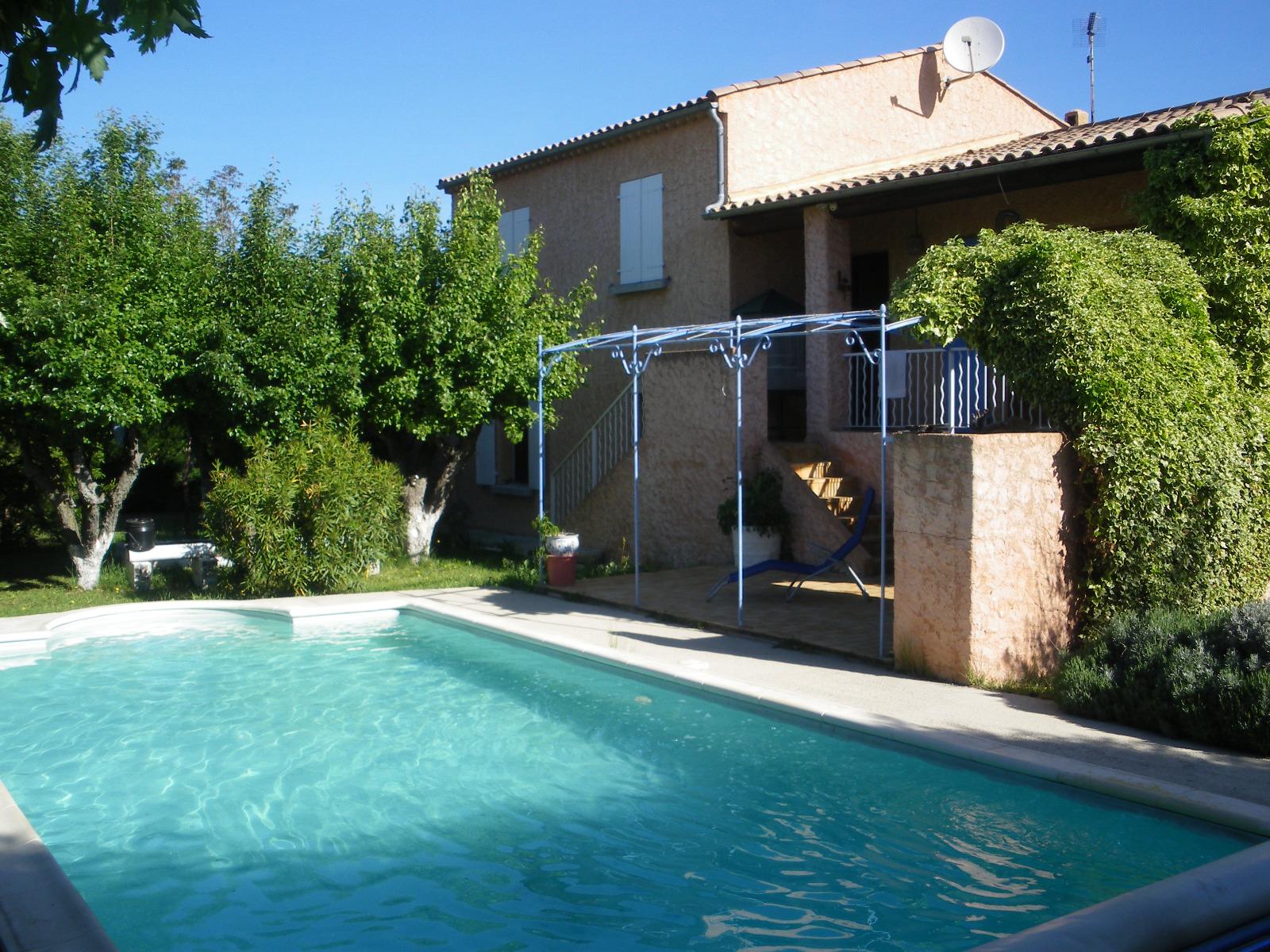 oraison villa t5 sur 1200m avec piscine garage et