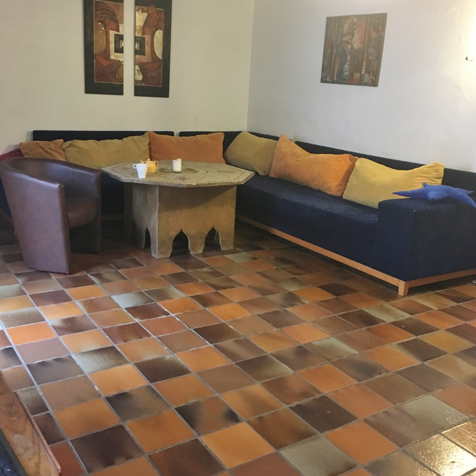 manosque maison bourgeoise de 160 m avec terrase piscine cave dependance et local. Black Bedroom Furniture Sets. Home Design Ideas