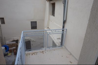 T2/3 avec terrasse - 04800 GREOUX