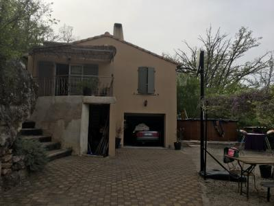ESPARRON: Villa T4 avec garage et studio