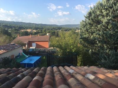 Vue: vue depuis la chambre, Maison T3 sur 504 m² terrain - PIERREVERT