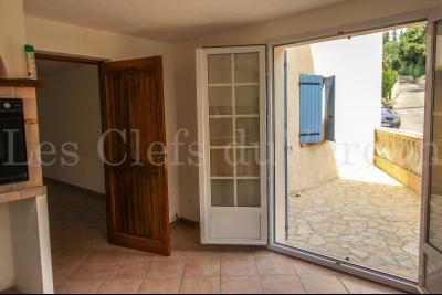 SAINTE TULLE Maison de village d'environ 134 m2