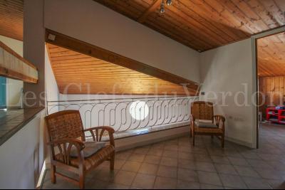 LA BASTIDE DES JOURDANS Superbe Villa de 170 m2