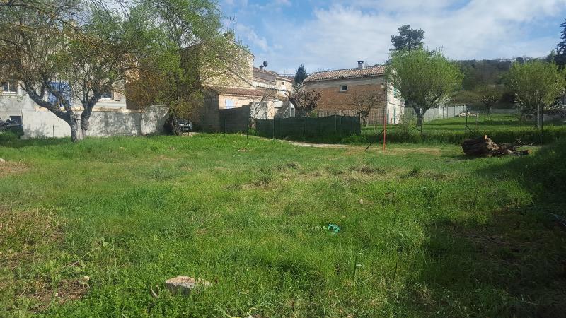 Saint Julien le Montagnier-Terrain - 665 m²