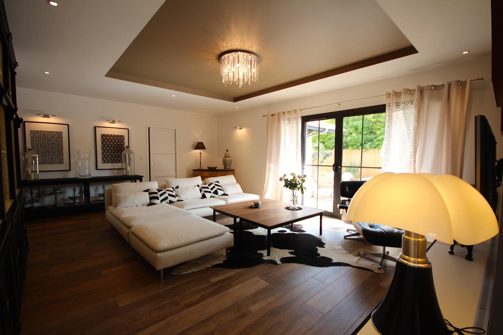 vente villa la teste de buch 33260 209m avec 5 pi ce s dont 4 chambre s sur 845m de. Black Bedroom Furniture Sets. Home Design Ideas