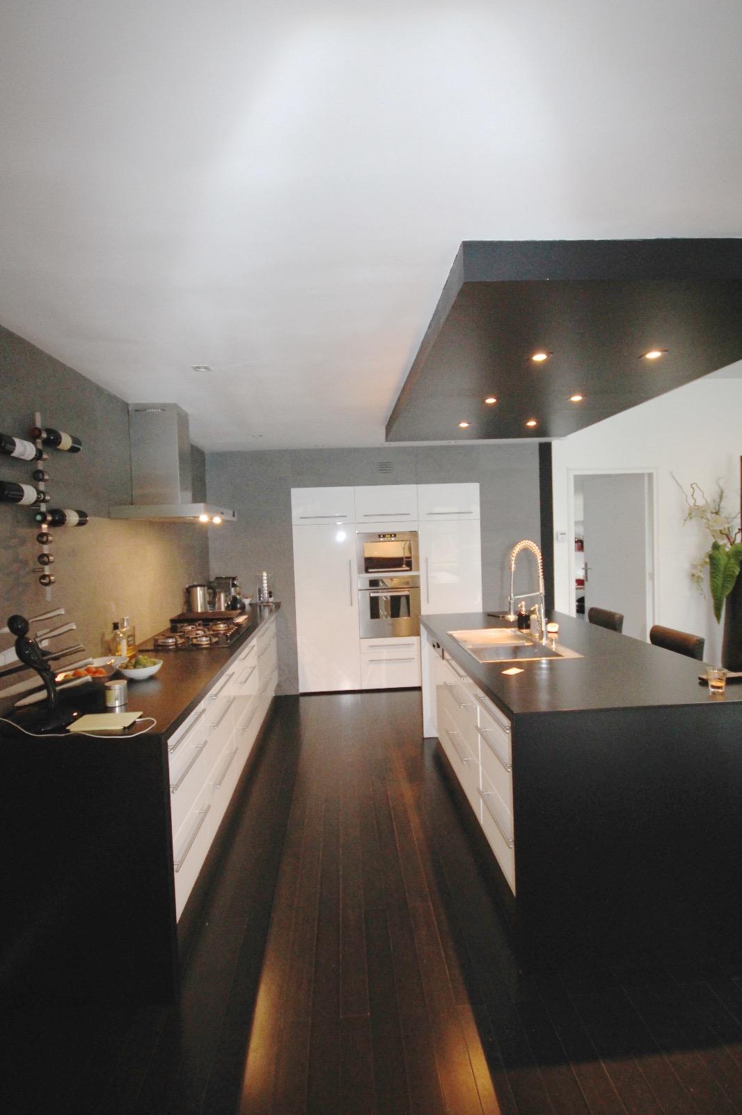 vente villa la teste de buch 33260 290m avec 7 pi ce s dont 5 chambre s sur 1097m de. Black Bedroom Furniture Sets. Home Design Ideas