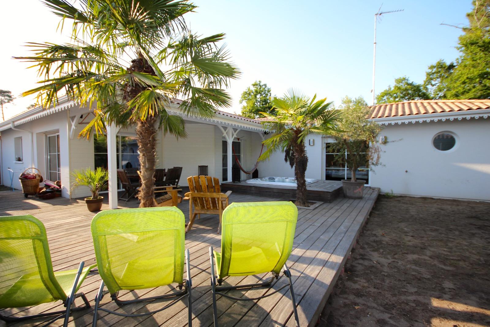 vente villa gujan mestras 33470 125m avec 5 pi ce s dont 3 chambre s sur 623m de terrain. Black Bedroom Furniture Sets. Home Design Ideas