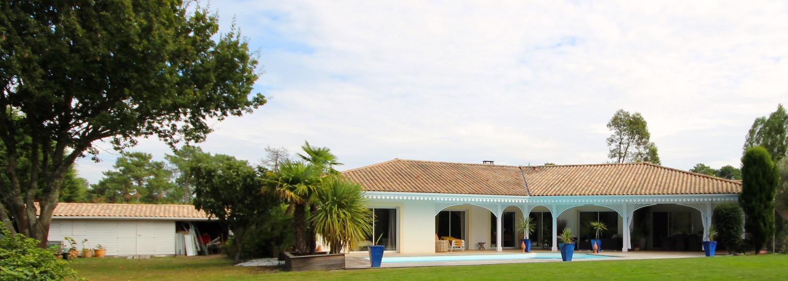 vente villa gujan mestras 33470 177m avec 5 pi ce s dont 3 chambre s sur 1374m de terrain. Black Bedroom Furniture Sets. Home Design Ideas