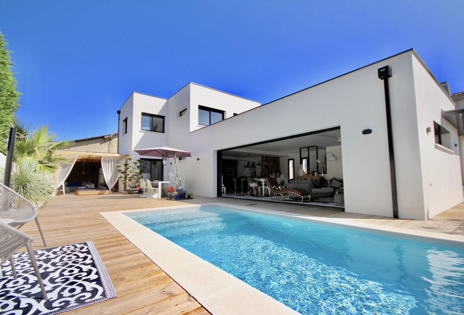 vente villa la teste de buch 33260 152m avec 5 pi ce s dont 4 chambre s sur 620m de. Black Bedroom Furniture Sets. Home Design Ideas