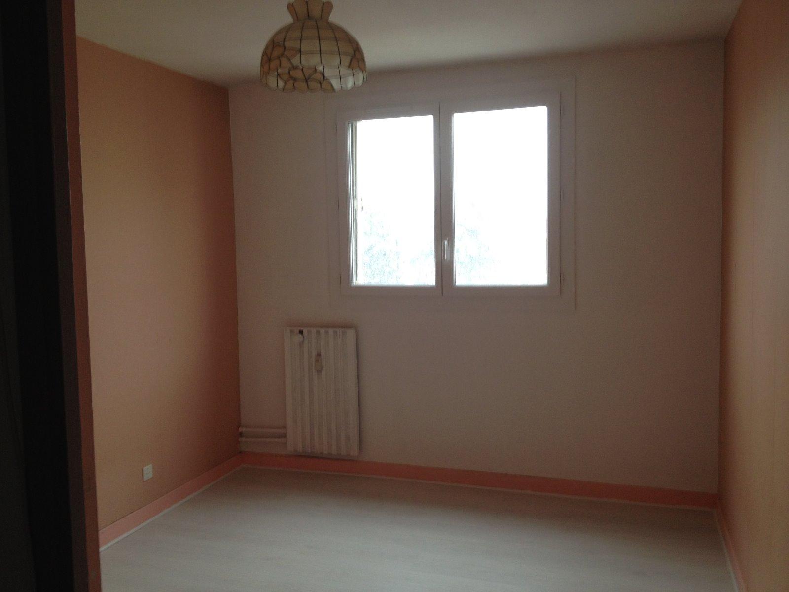 Vente appartement le cannet des maures 83340 62m avec for Immobilier chambre sans fenetre