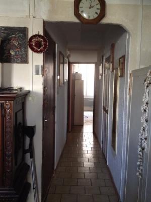 Besse sur Issole : Appartement T3 traversant de 65m² avec terrasse fermée et jardin privatif de 50m²