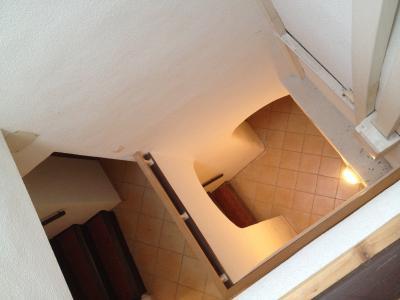 Le Val - Immeuble de rapport de 2 étages avec ascenseur 1 local professionnel + 2 studios + 2 T2