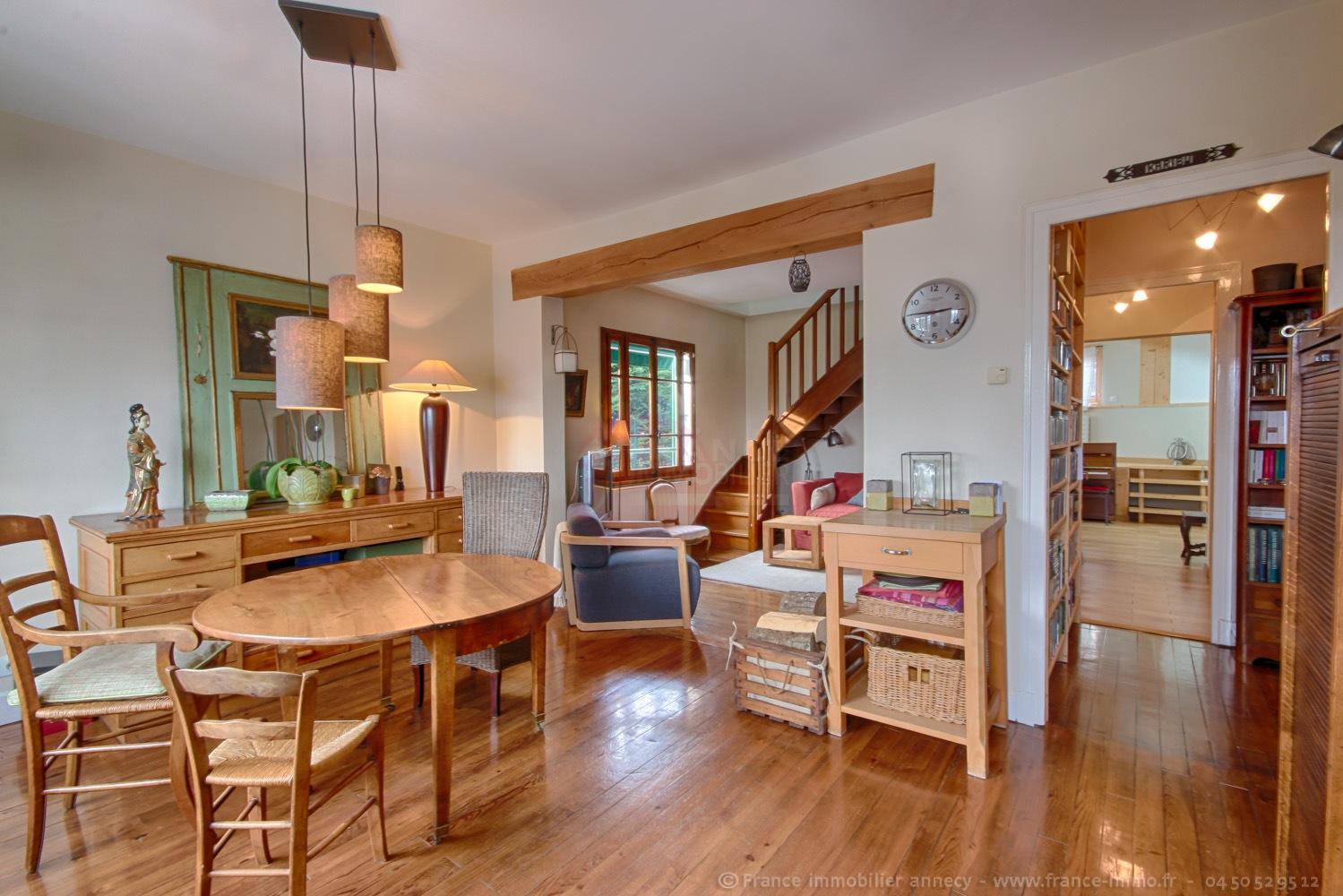 vente maison poisy 74330 152m avec 6 pi ce s dont 4. Black Bedroom Furniture Sets. Home Design Ideas