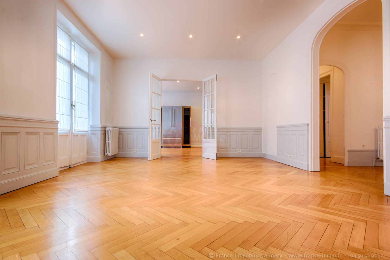Vente appartement annecy 74000 178m avec 6 pi ce s for Achat maison annecy