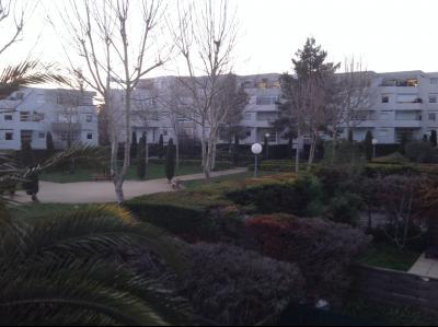 MONTPELLIER, Millénaire, Bel appartement avec terrasse dans résidence avec piscine.
