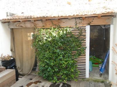 PEROLS COEUR DE VILLE A VENDRE MAISON  AVEC PATIO T4 75M2 LE CHARME DE L