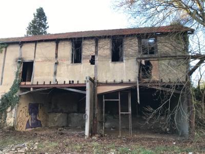 Ancien entrepôt a réhabilité, Loft possible accès a un parc proche ISAT