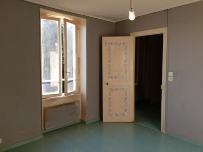 """Appartement f3 a rafraîchir """" immeubles complet """""""