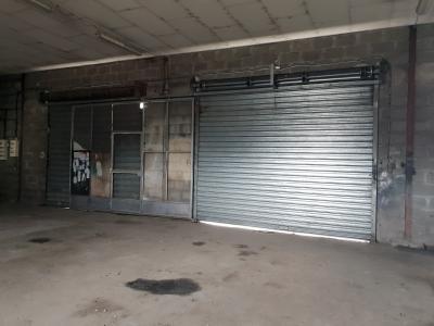 Local commercial, entrepôt, garage, emplacement de premier ordre