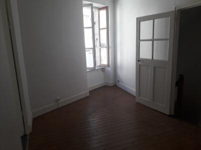 Maison en location 3 pièces Cercy la Tour
