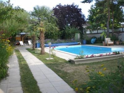 Maison plain pied avec piscine v randas chemin e for Piscine nevers