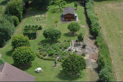Maison avec piscine , dépendances sur 3200 m²