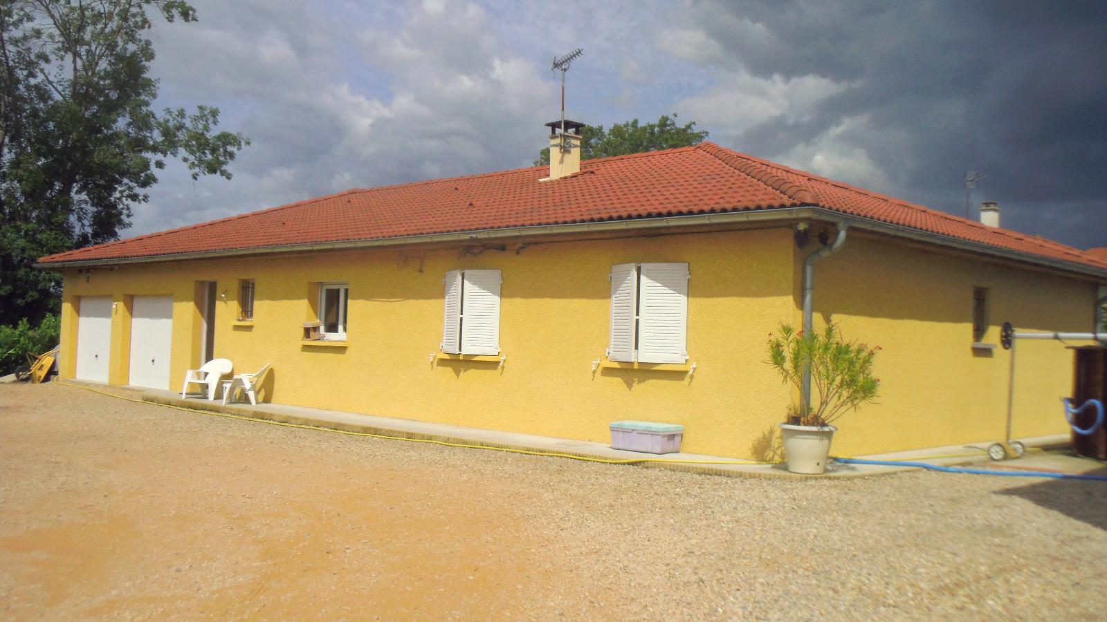 canton de montrevel en bresse a vendre villa r cente 5 chambres immobresse. Black Bedroom Furniture Sets. Home Design Ideas
