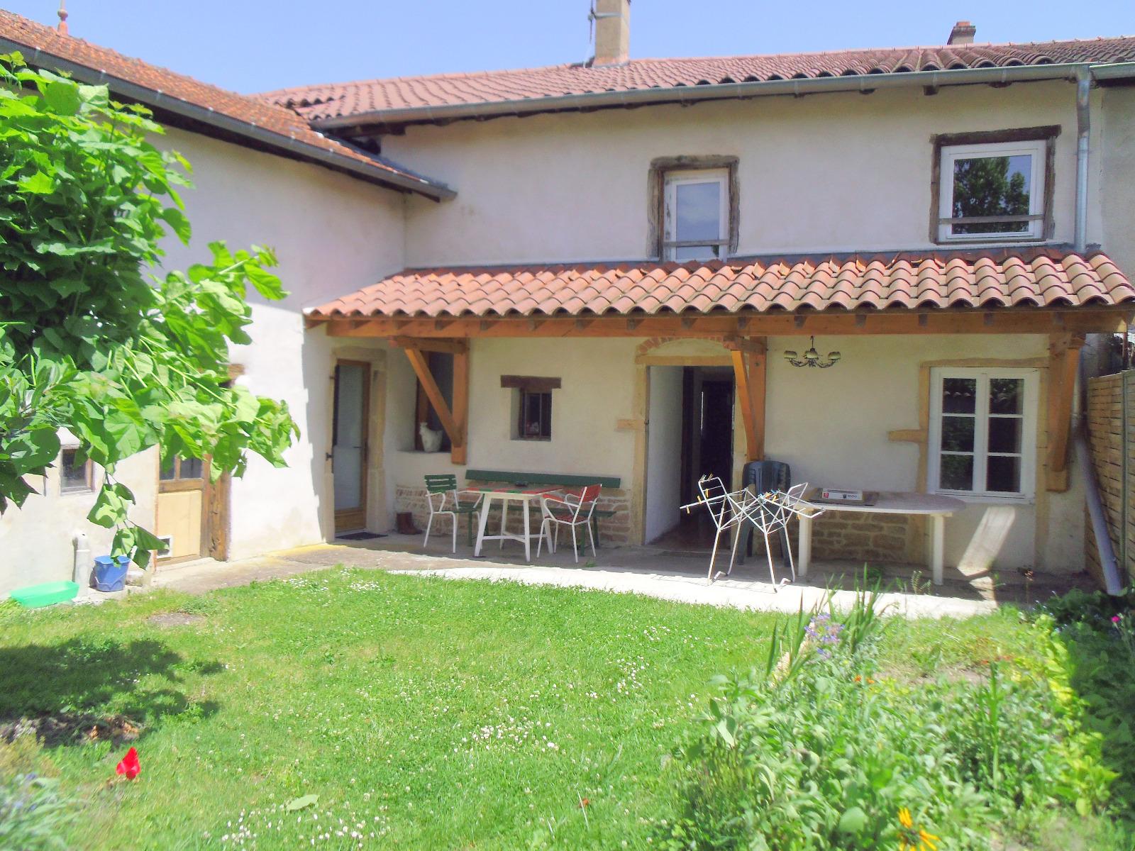 Pont de veyle a vendre maison de village 176 m for Maison avec cour interieure