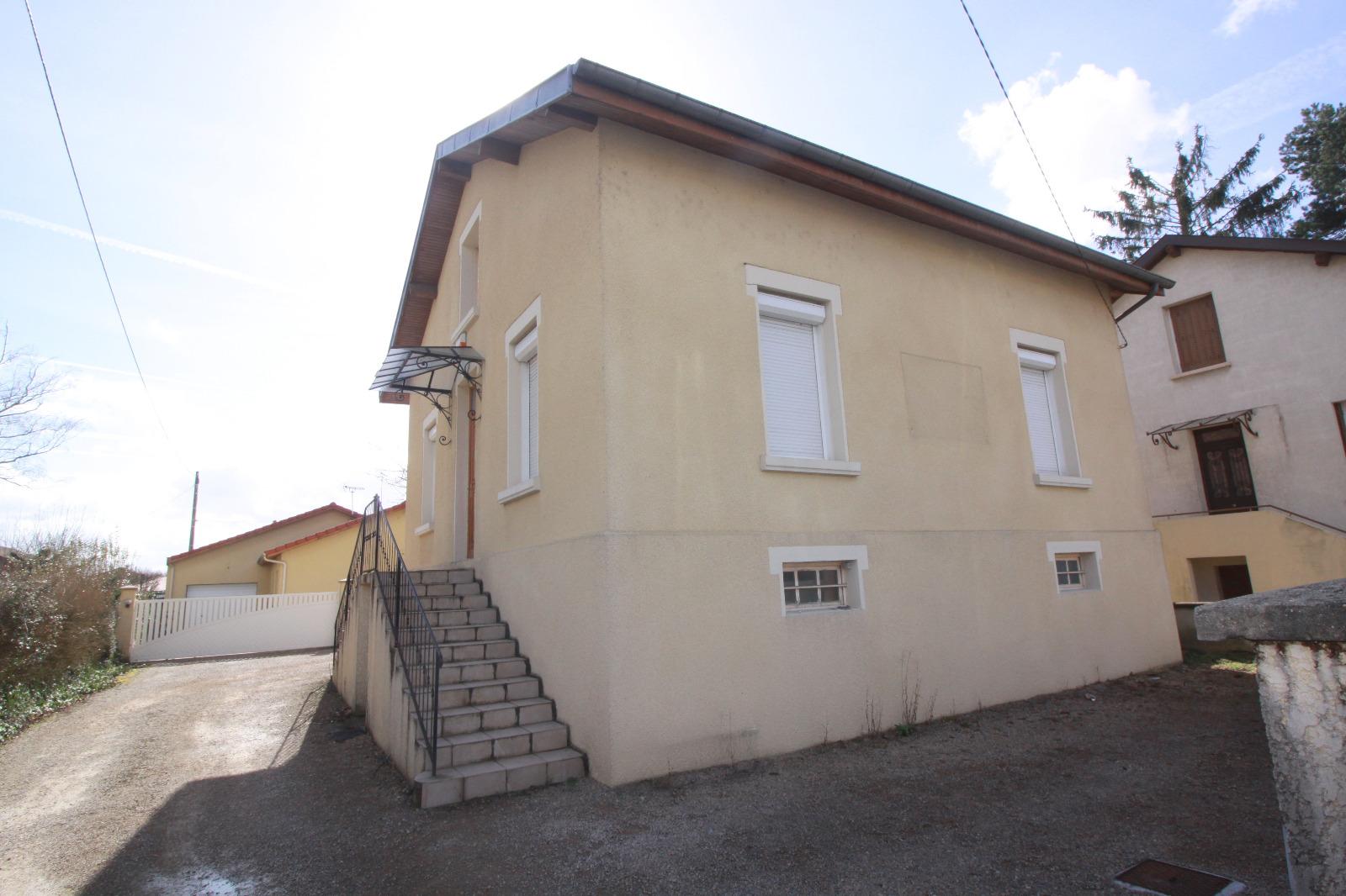 Saint denis les bourg a vendre maison petit terrain immobresse - Garage henri saint denis les bourg ...