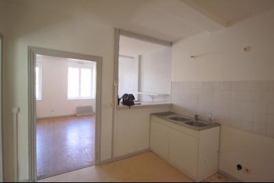 Saint Julien sur Reyssouze - A louer appartement type 3 en duplex