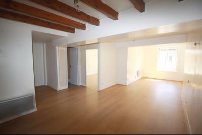 Saint Julien sur Reyssouze - A louer grand appartement Type 5 - 110 m²