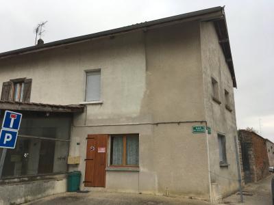 Saint Trivier de Courtes - A louer au centre du village - Appartement Type 2