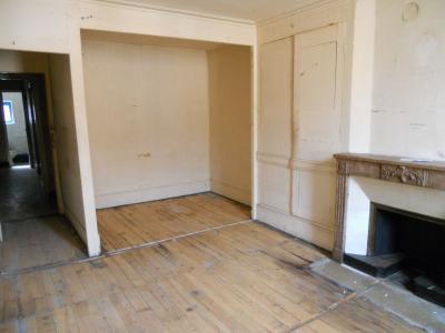 Viriat limite bourg en bresse - A vendre immeuble à réhabiliter entièrement -