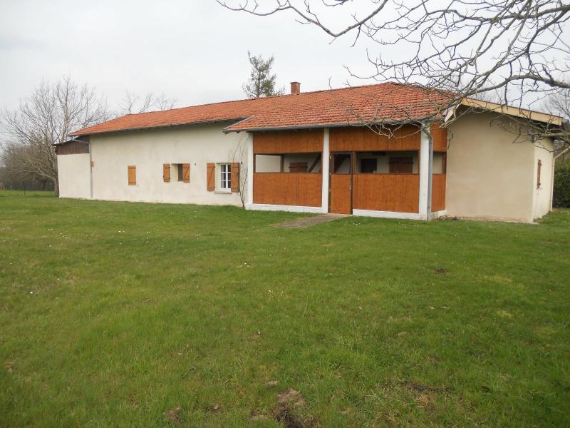Confrançon - A vendre maison de campagne a rénover - Terrain de 1000 M²
