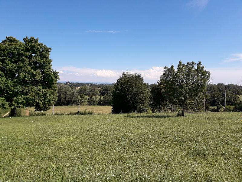 Jayat - A vendre terrain 1741 m²