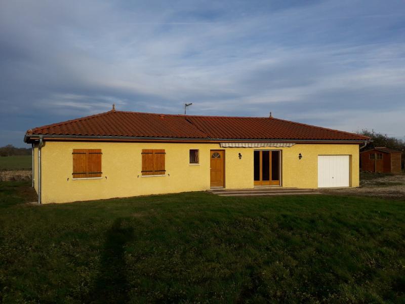 Saint Etienne sur Reyssouze - A Vendre Villa 107 m² habitables - Terrain de 1 500 m²